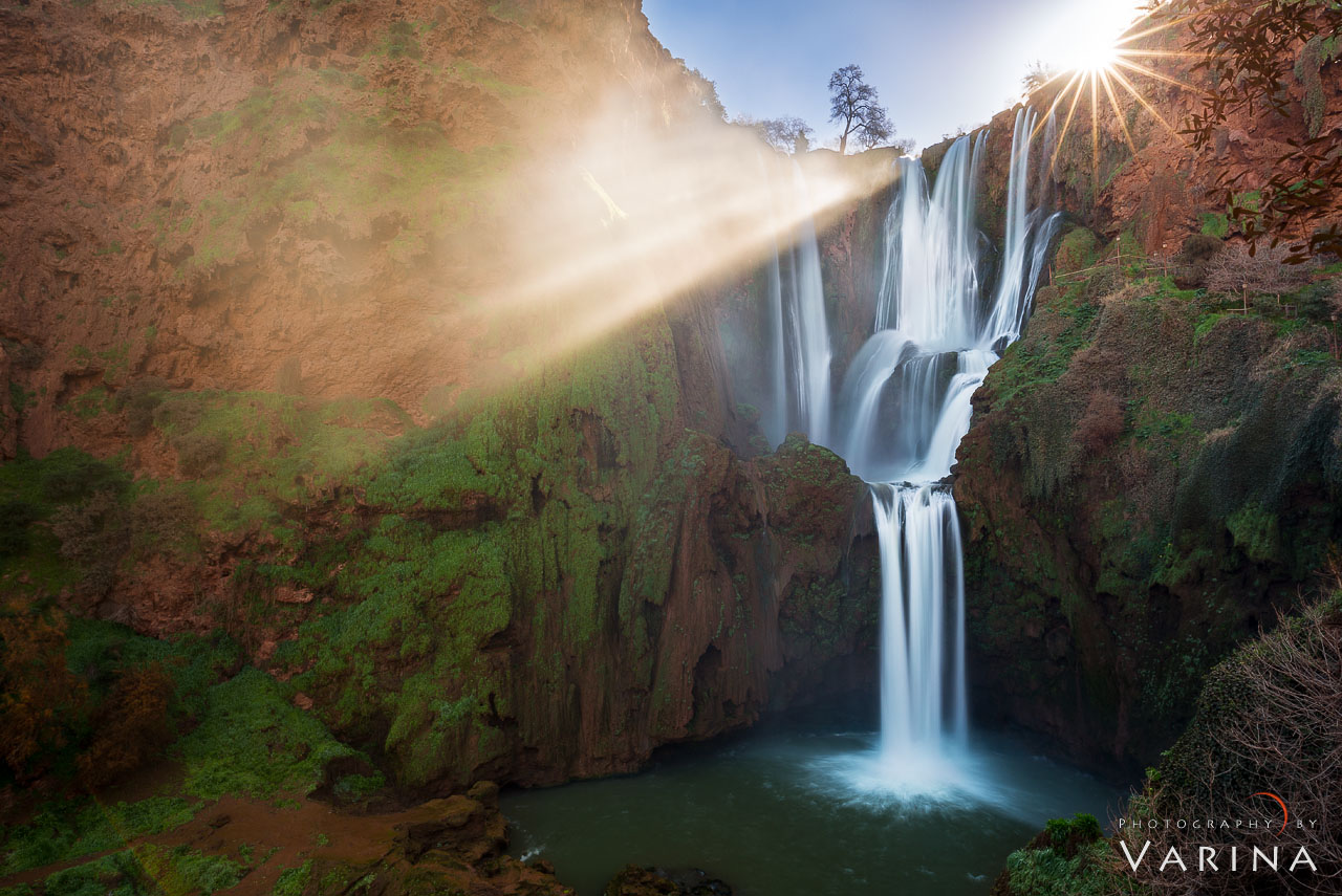 Cover for Landscape Photography Tips blog article about sunbeams by Varina Patel