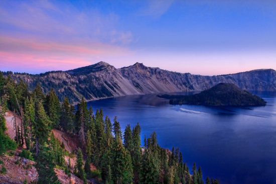 Low light photography at Crater Lake by Anne McKinnell