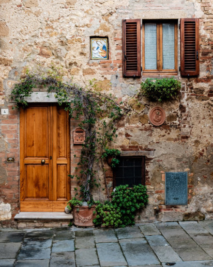 Travel photography from a corner of Pienza in Tuscany by Ugo Cei