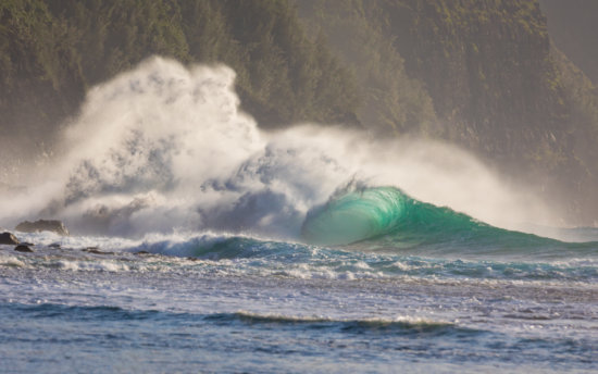 Wave photography with fast shutter speed by Lace Andersen