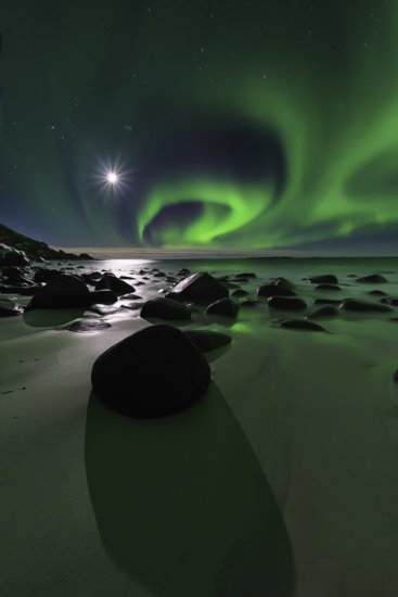 Northern Light at Uttakleiv Beach