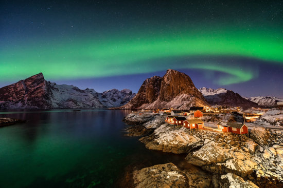 Hamnoy under Northern Lights
