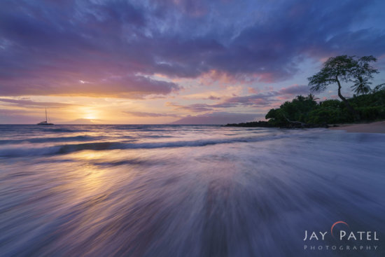 Exposure Blending in Photoshop with smooth realistic tonal gradation in the highlights from Maui, Hawaii by Jay Patel