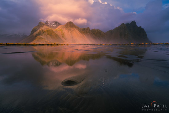 Spotlight effect in landscape photography in Vestrahorn, Iceland by Jay Patel
