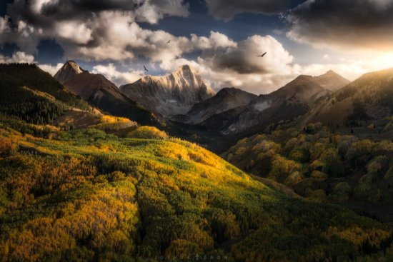 This image entitled <em>Mordor</em>, is a panorama where I used a circular polarizer to reduce glare, and enhance the vibrant fall colors.