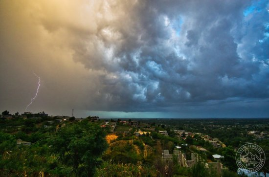 Afternoon storms in Gressier, Haiti by David Johnston
