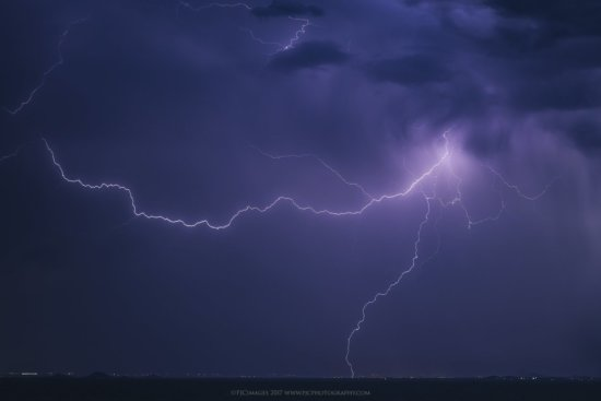 Lightning photography in Arizona by Peter Coskun