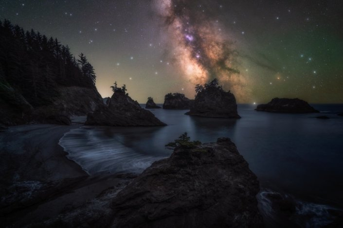 Example of photo stacking & blending for Night Photography by Austin Jackson