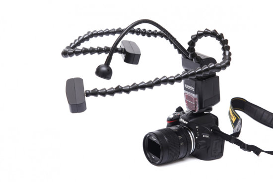 Macro photography setup with twin flash units by Peter Dam